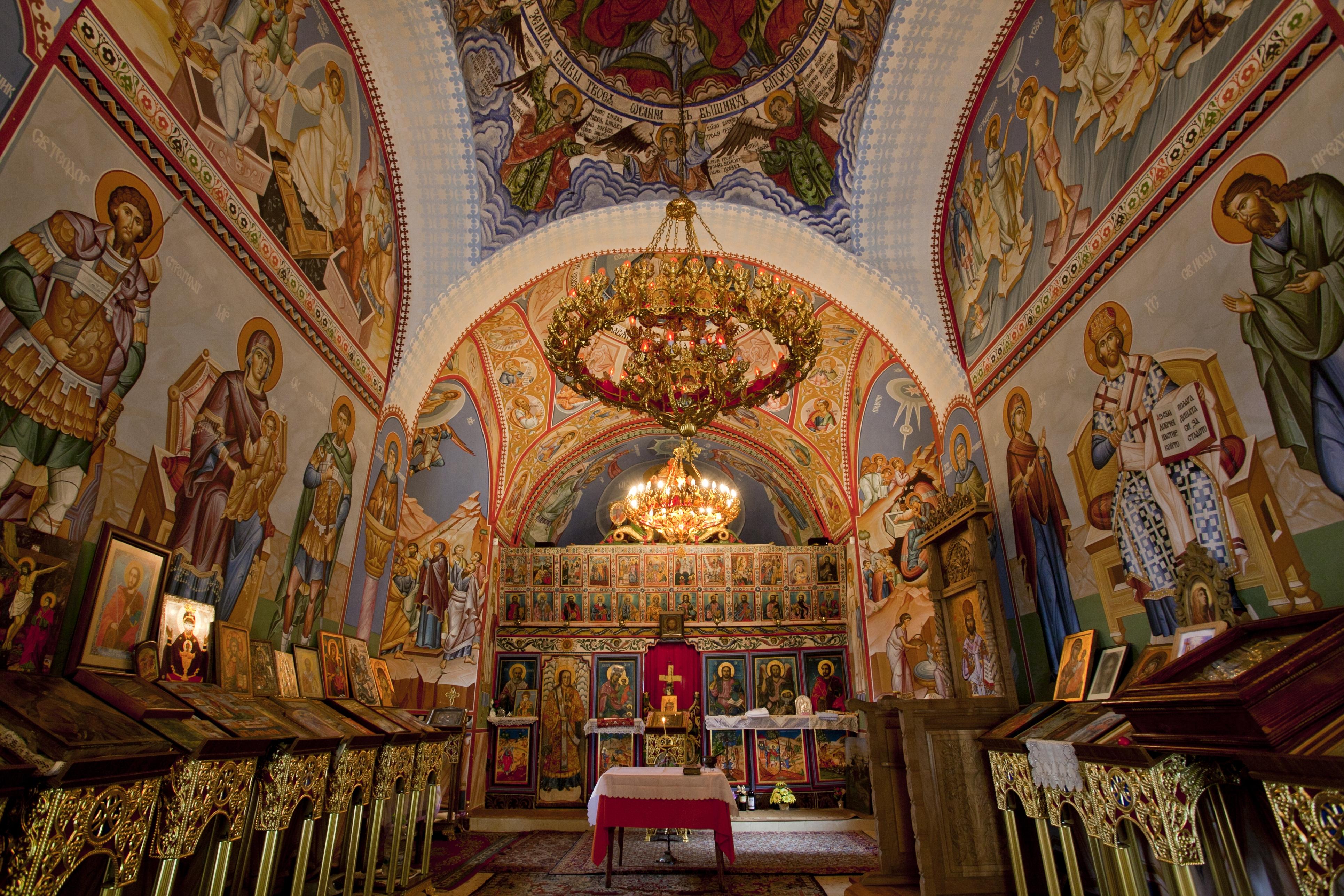 Манастир-Теодор-Тирон-храм