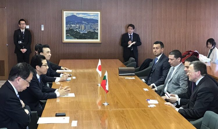 Родният трибагреник се развя редом до японския в Сапоро в знак на уважение към губернатора на Софийска област Илиан Тодоров