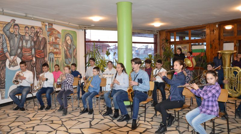 Областният управител Илиан Тодоров отличи ангелите на доброто от  Копривщица за благотворителните инициативи в подкрепа на Белодробната болница