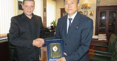 Дни преди  историческата среща Тръмп- Ким Чен Ун, областният управител Илиан Тодоров се срещна с посланика на Северна Корея