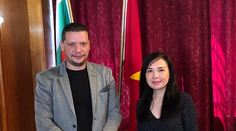 Областният управител Илиан Тодоров се срещна с посланика на Виетнам
