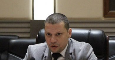 Областният управител Илиан Тодоров пита: Лозан Панов влияе ли на съдии от Софийски районен съд?