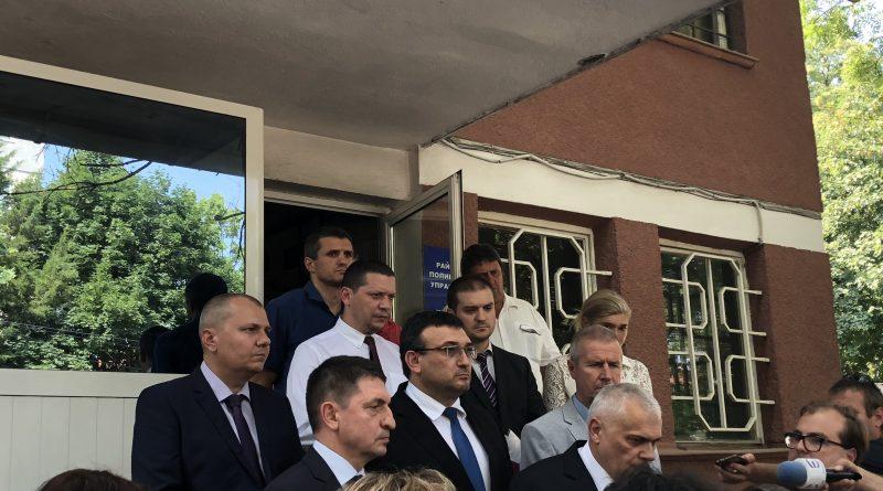 Областният управител Илиан Тодоров свиква среща с кметовете от областта заради броя на полицаите