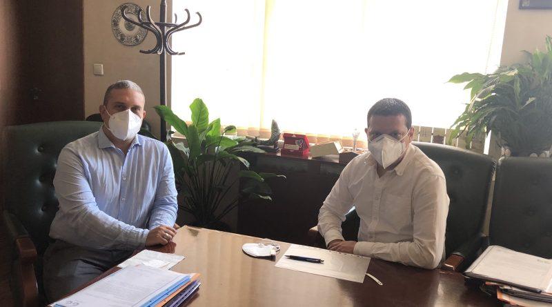 Областният управител Илиан Тодоров раздаде на общинска администрация Драгоман част от дарените от Хубей предпазни средства