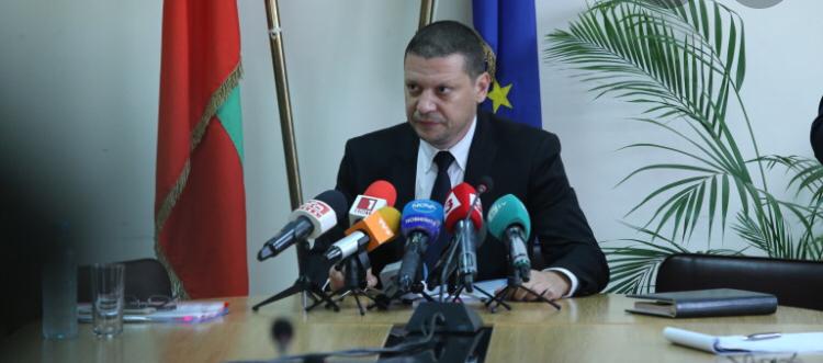 Областният управител Илиан Тодоров със светкавична реакция по случая с изсичането на дървета в центъра на Златица