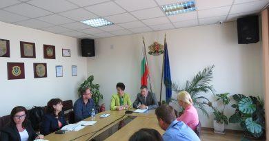 Областният управител Илиан Тодоров откри  дискусия по въпросите на социалното партньорство и подобряване на жизненото равнище на населението