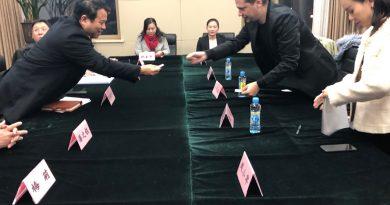 Областният управител Илиан Тодоров води китайски туристи в Софийска област