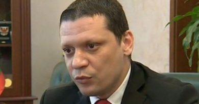 Областният управител Илиан Тодоров настоява пред вътрешния министър Валентин Радев за двойно увеличение на полицаите в Ботевград