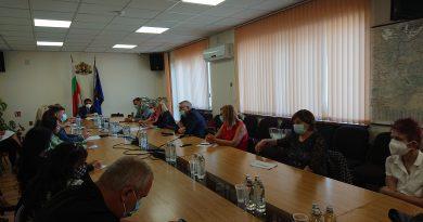 Областният кризисен щаб: Кметовете на общини да отменят масовите мероприятия в Софийска област